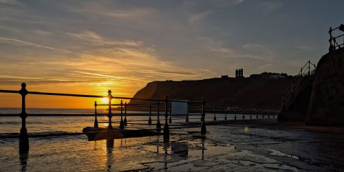 North Bay Scarborough Framed Canvas Wall Art  - First Light Breakers